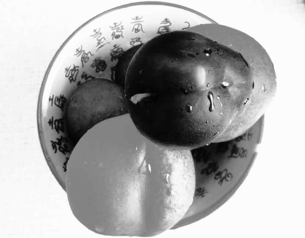 Art by Nicole Kudera, Round Fruit